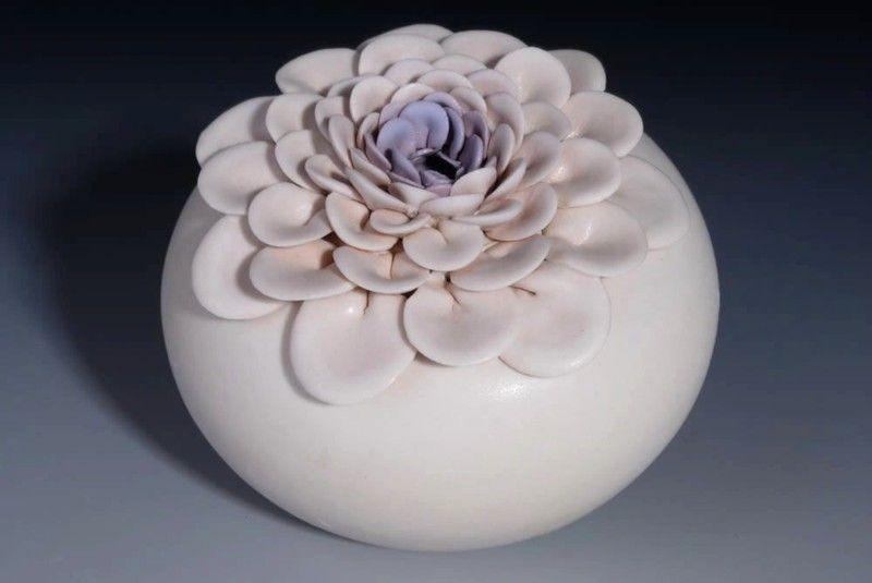 Vaza ceramica, lotus