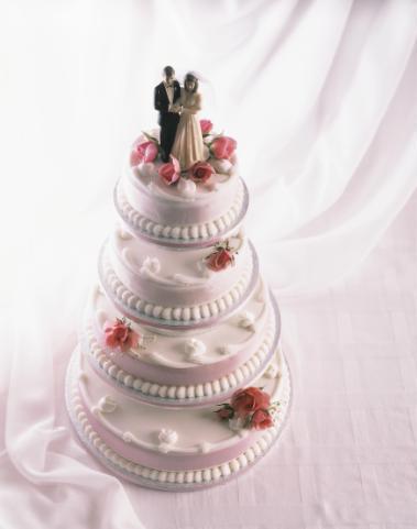 Un superb tort de nunta clasic