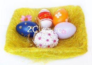 Cos cu oua decorate pentru Paste