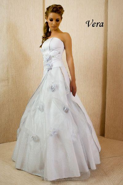 Rochie de mireasa din tafta