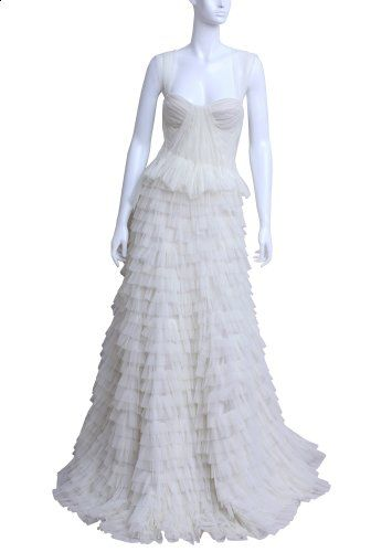 Rochie de mireasa din tul cu volane, Maria Lucia Hohan