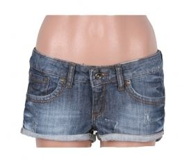 Pantaloni scurti bleumarin MANGO