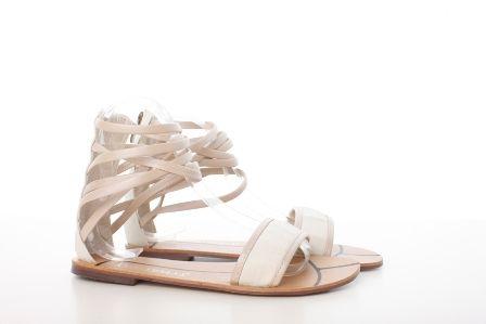 Sandale romane albe din material satinat