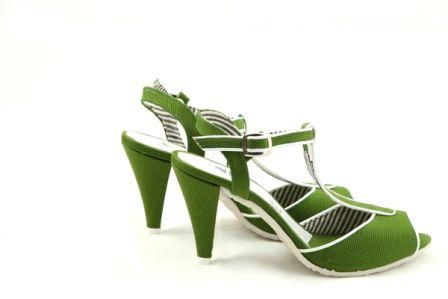 Sandale verzi din material panzat cu un design nonconformist