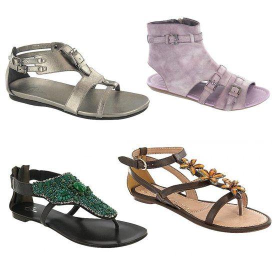 Sandale Bata cu reducere: talpa joasa, curele, sandale romane, cu manseta