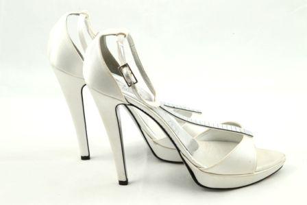 Sandale albe de mireasa din material satinat