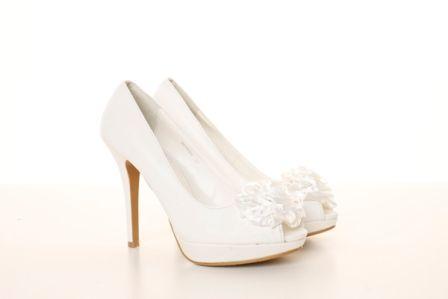 Pantofi albi de mireasa din material satinat