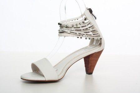 Sandale cu toc mediu albe Nice day - 69 lei