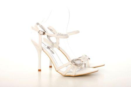 Sandale albe din curele subtiri