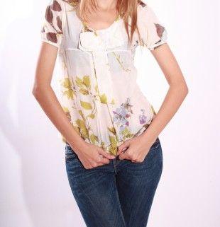 Bluza Bershka imprimata cu flori