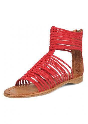 Sandale rosii romane
