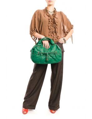 Cum porti o geanta colorata