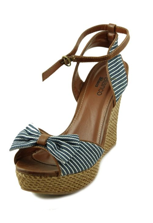 Sandale albastre cu platforme inalte