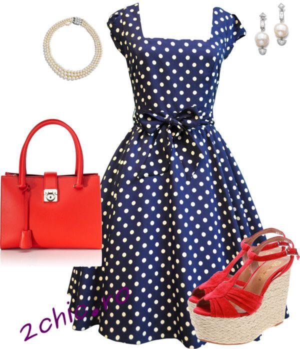Rochie albastra cu buline, poseta si sandale rosii, accesorii perle