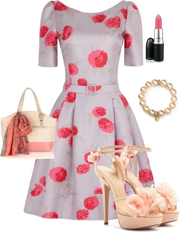 Rochie inflorata accesorizata cu pantofi si geanta coral deschis