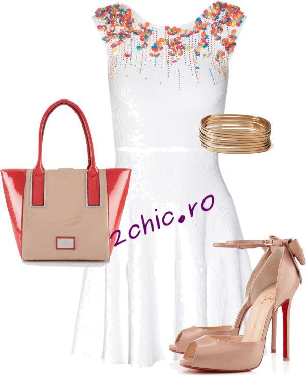 Rochie alba cu flori la baza gatului asortata cu geanta, bratari si pantofi coral