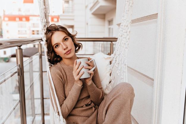 Tendința nr. 1 pentru rochii tricotate se referă la confort
