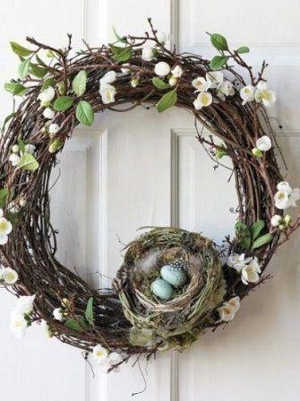 Decoratiuni simpatice folosind cuiburi cu oua